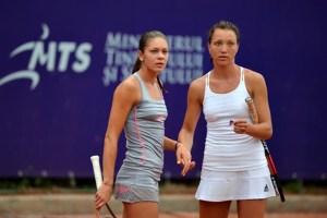 Două tenismene